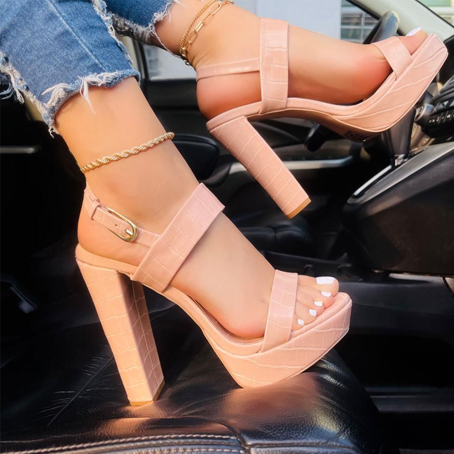 Color nude en zapatos