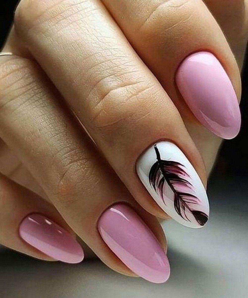 Uñas con plumas